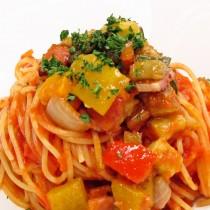 ベーコンと秋野菜のスパゲッティ トマトソース