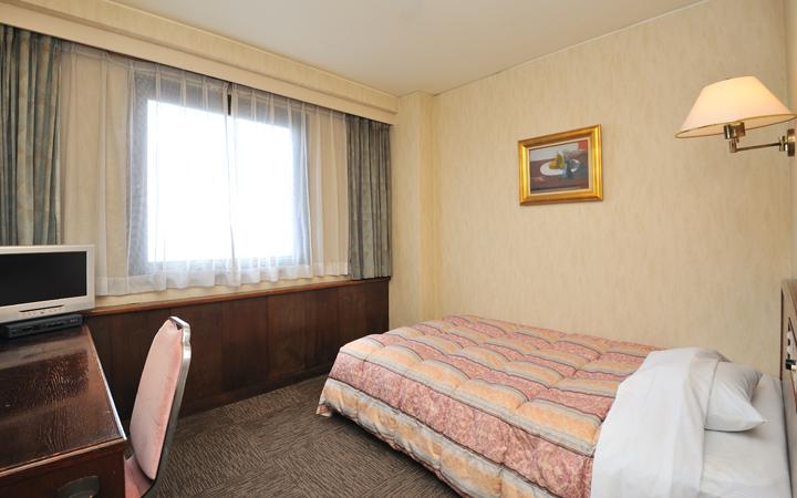 ホテルサンバリー シングルルーム