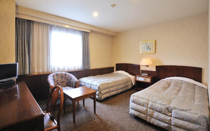 ホテルサンバリー トリプルルーム